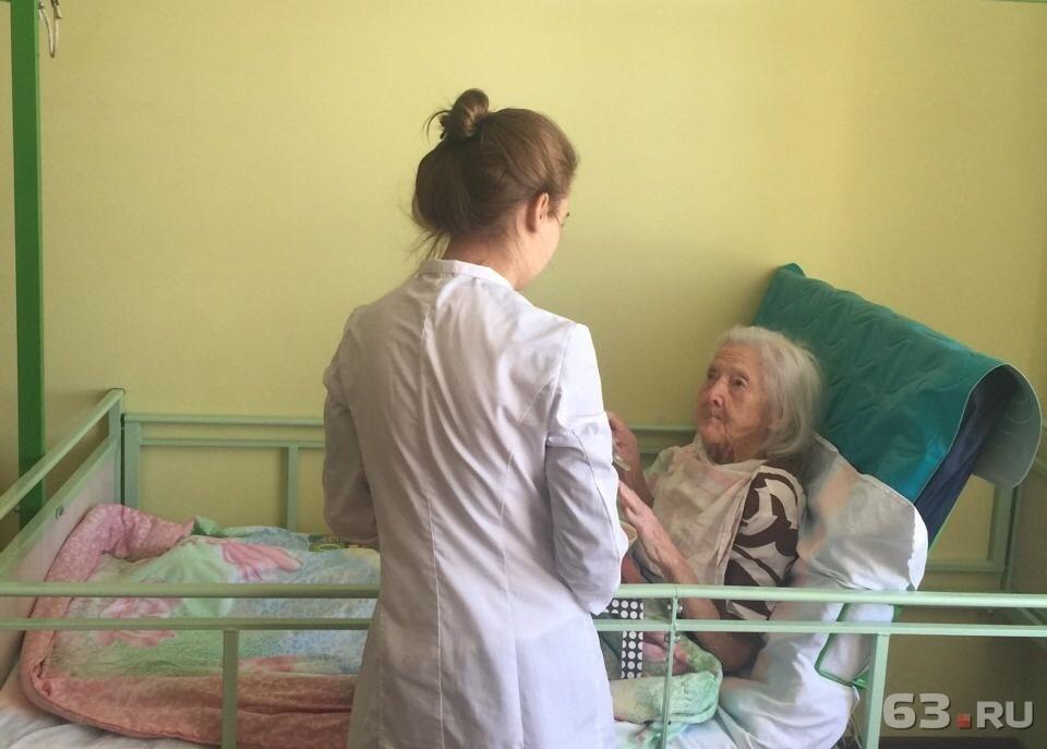 Уход за лежачими больными на дому самара товарково интернат для престарелых